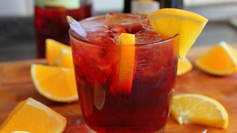 Red wine negroni